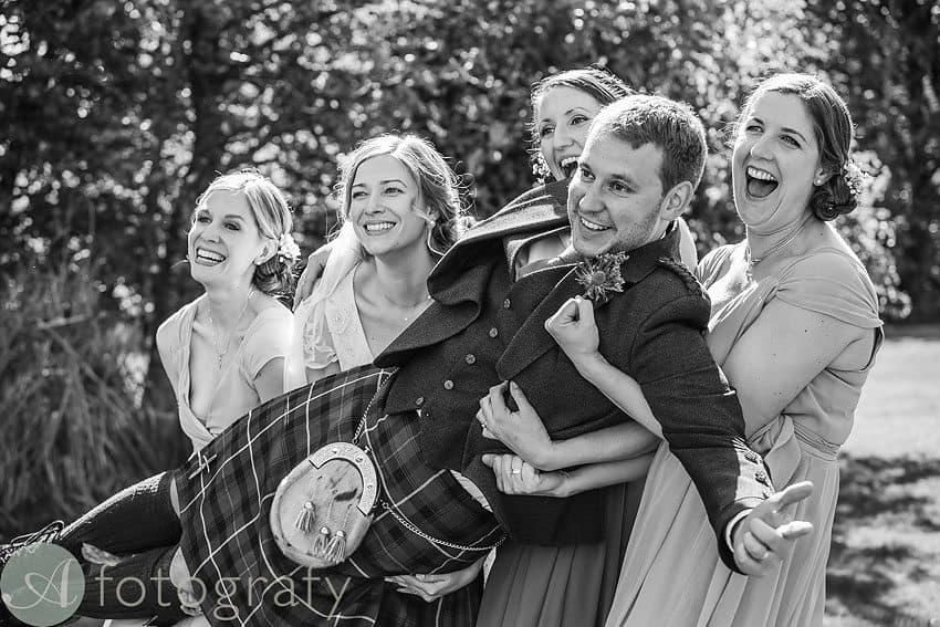wedding photos at broxmouth park-019