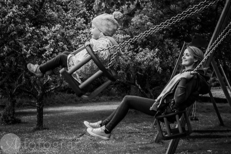 Natural black and white family portraits 14