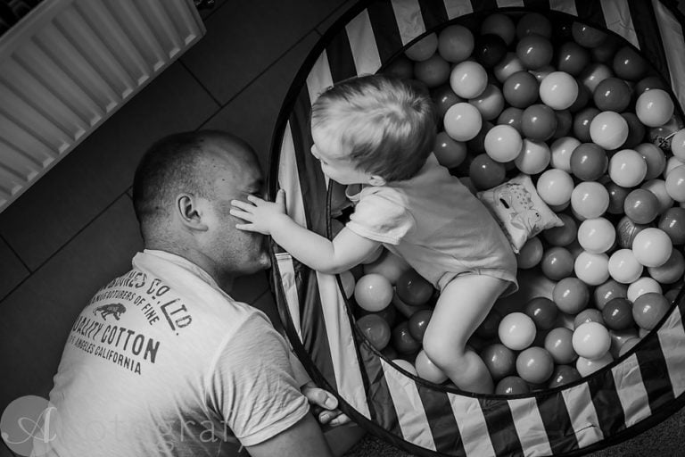 Natural black and white family portraits 27
