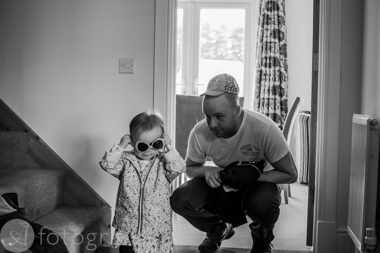 Natural black and white family portraits 8