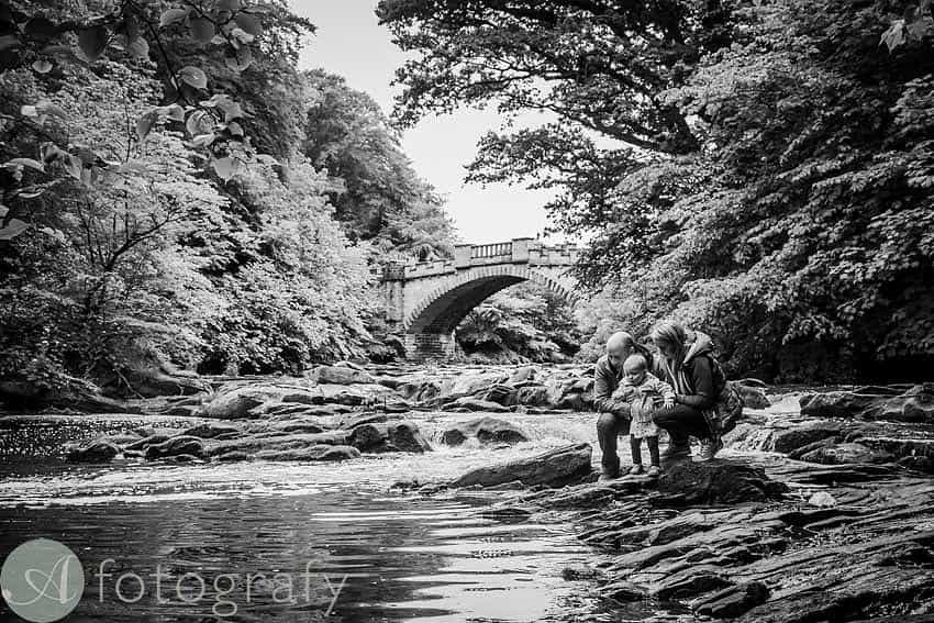 East lothian family portrait photographer. family next to the river