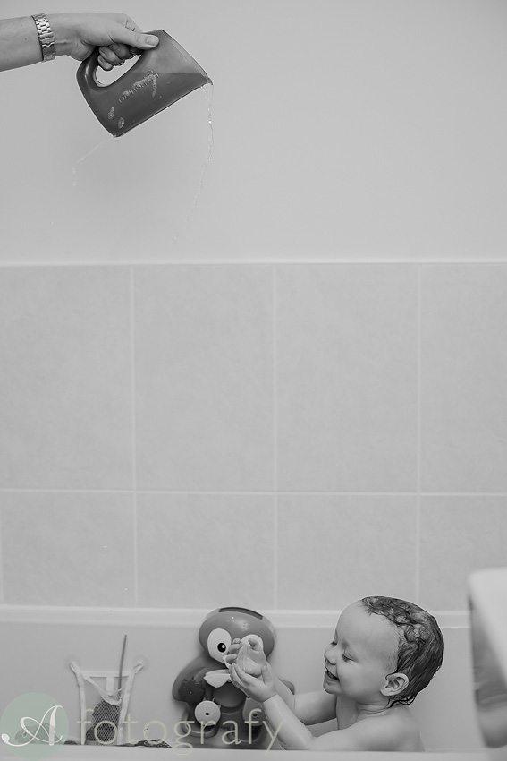 children bath splashing photos