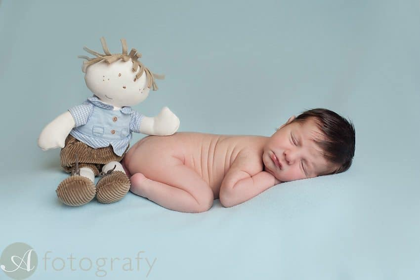 Unique newborn pictures ideas 23