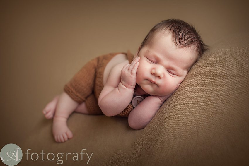 what to wear for newborn photo session 18