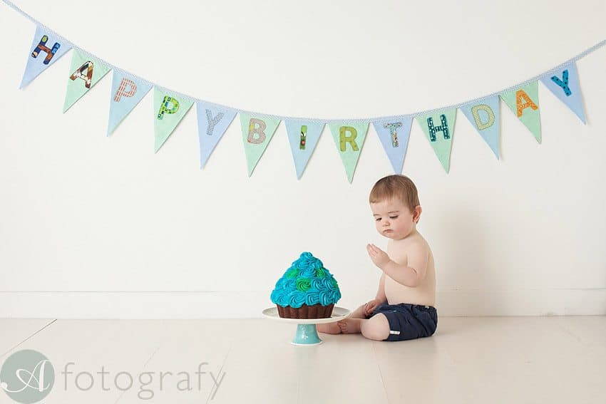 cute babies cake smash photos 15