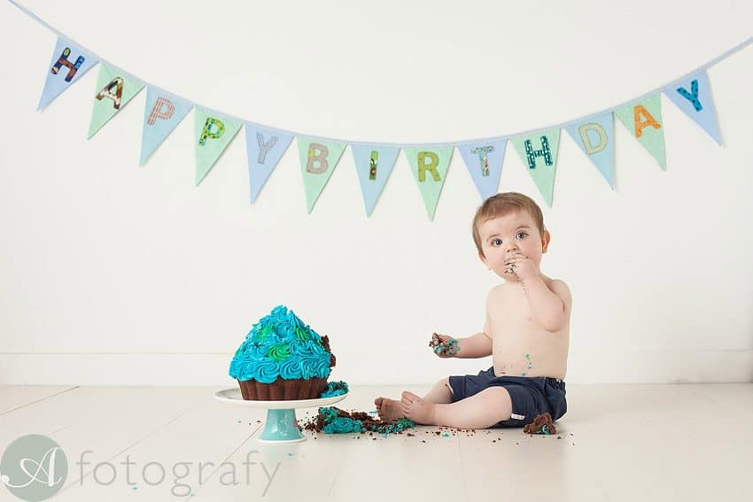 cute babies cake smash photos 16