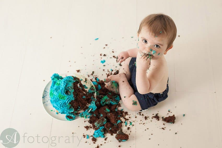 cute babies cake smash photos 18