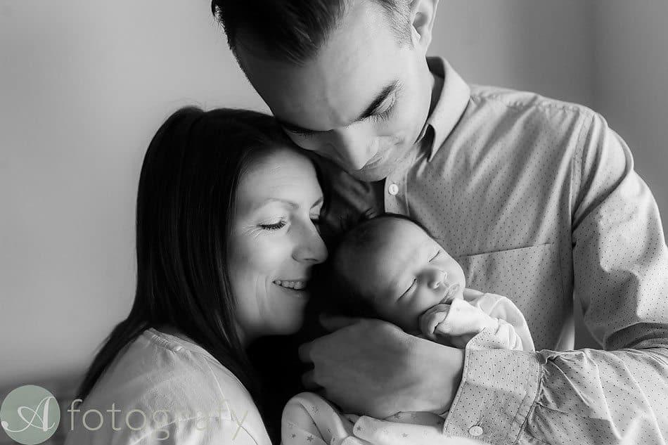 newborn baby photos at home 14