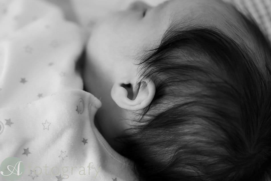 newborn baby photos at home 20