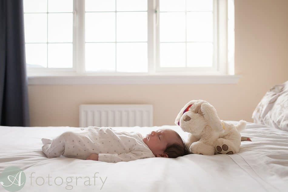 newborn baby photos at home 27