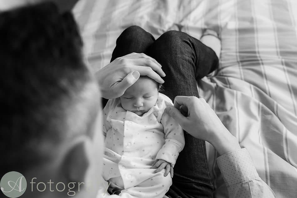 newborn baby photos at home 9