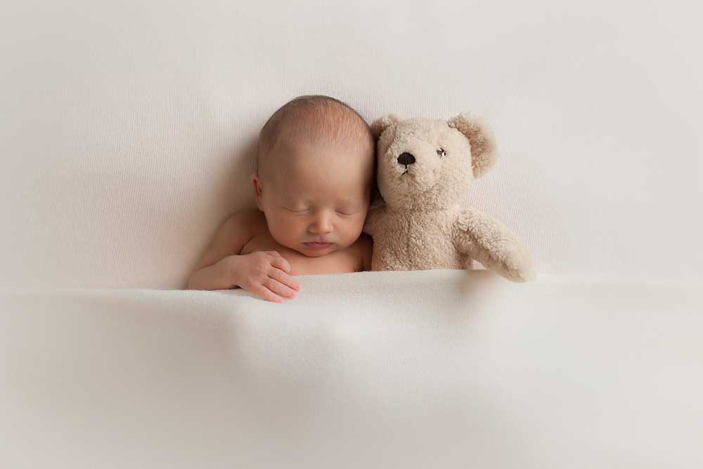 cute newborn pictures with teddy bear