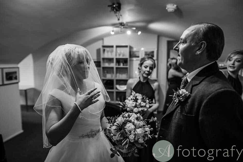 Hopetoun-House-wedding-Photos-L&J-23