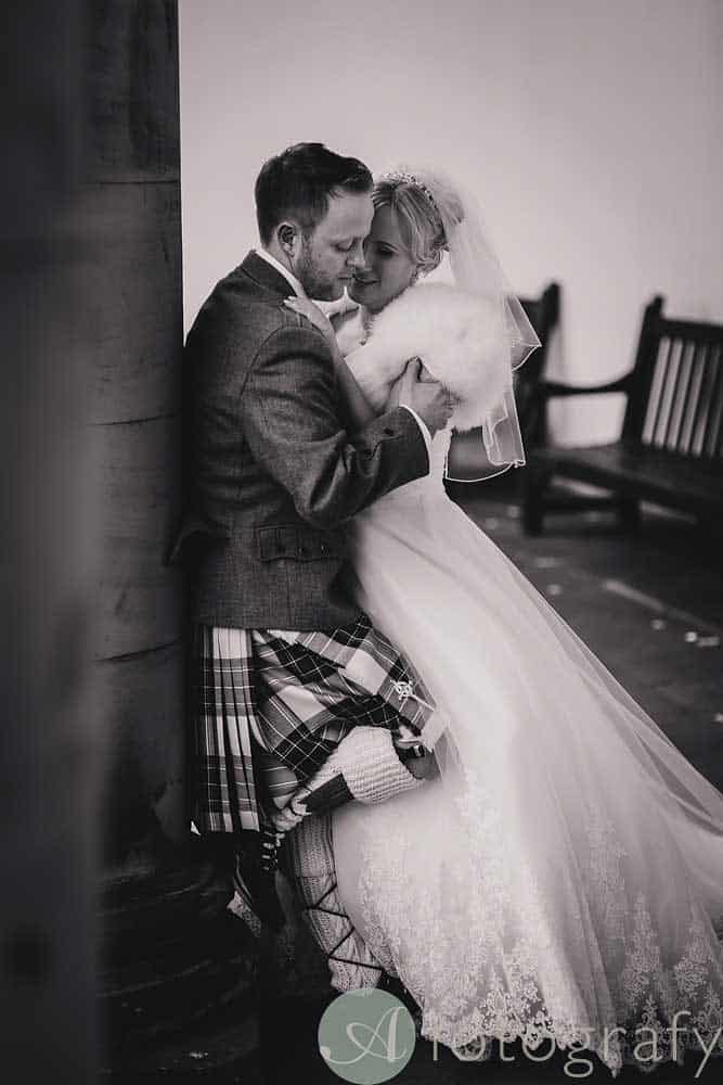 Hopetoun-House-wedding-Photos-L&J-51