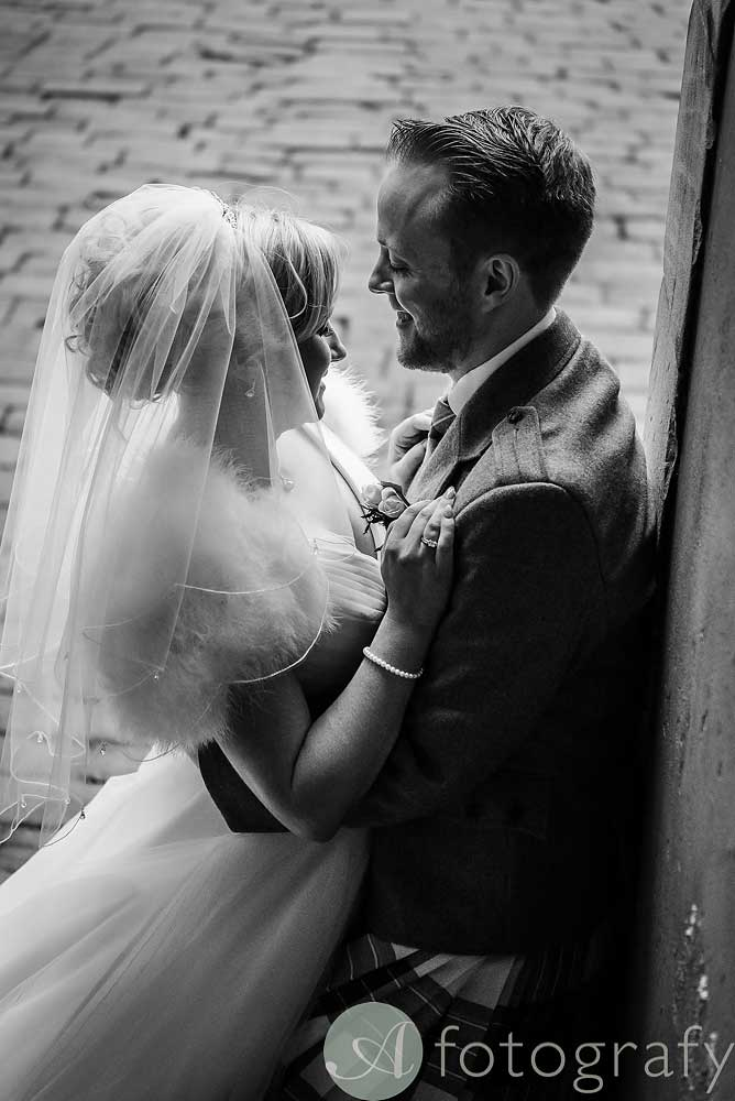 Hopetoun-House-wedding-Photos-L&J-56