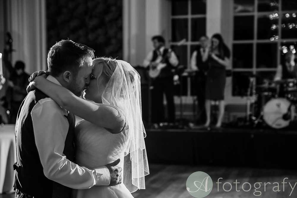 Hopetoun-House-wedding-Photos-L&J-85
