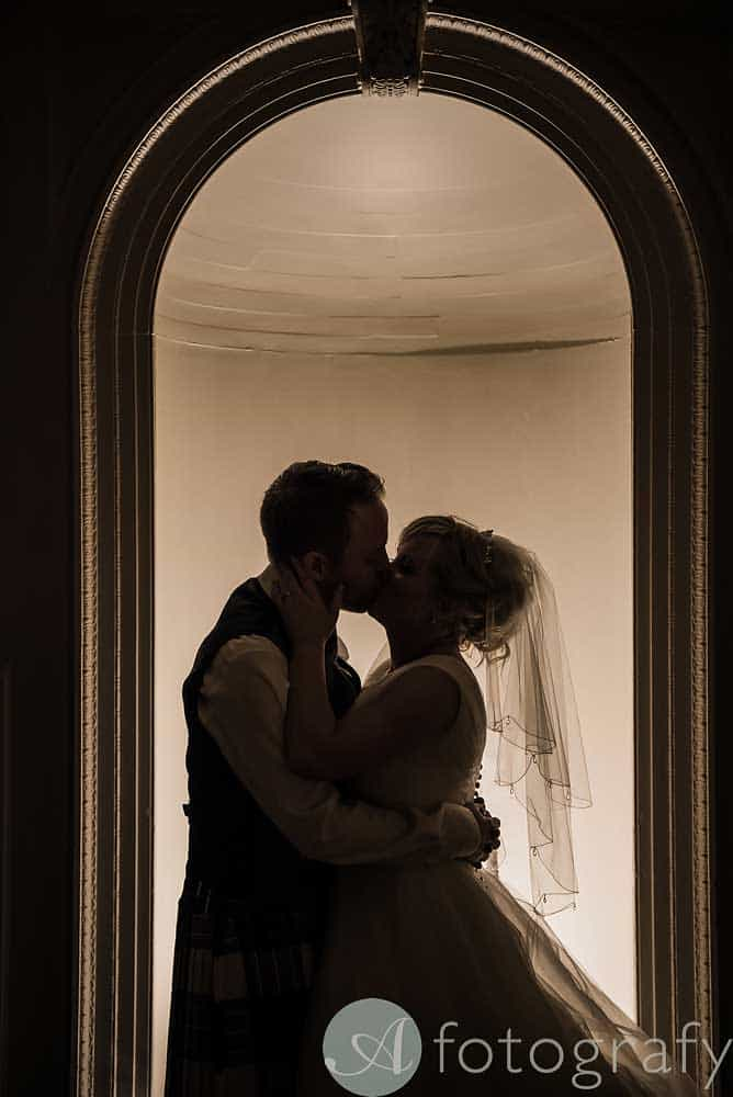 Hopetoun-House-wedding-Photos-L&J-95