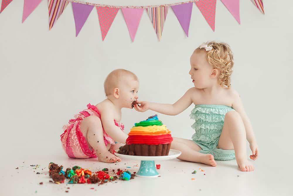 cake-smash-with-sibling