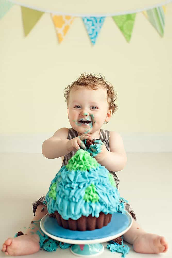 1st Birthday Cake Smash Photography in Edinburgh Afotografy