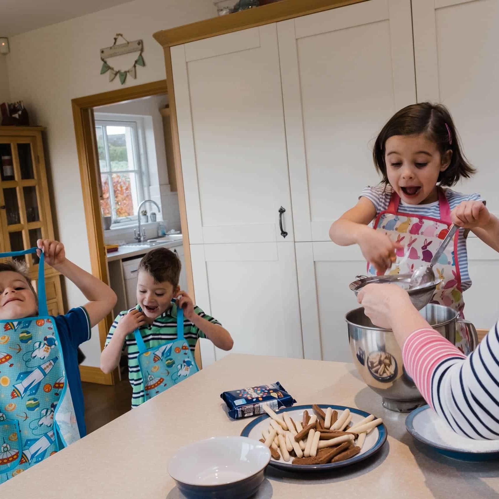 Edinburgh family photo sessions at home