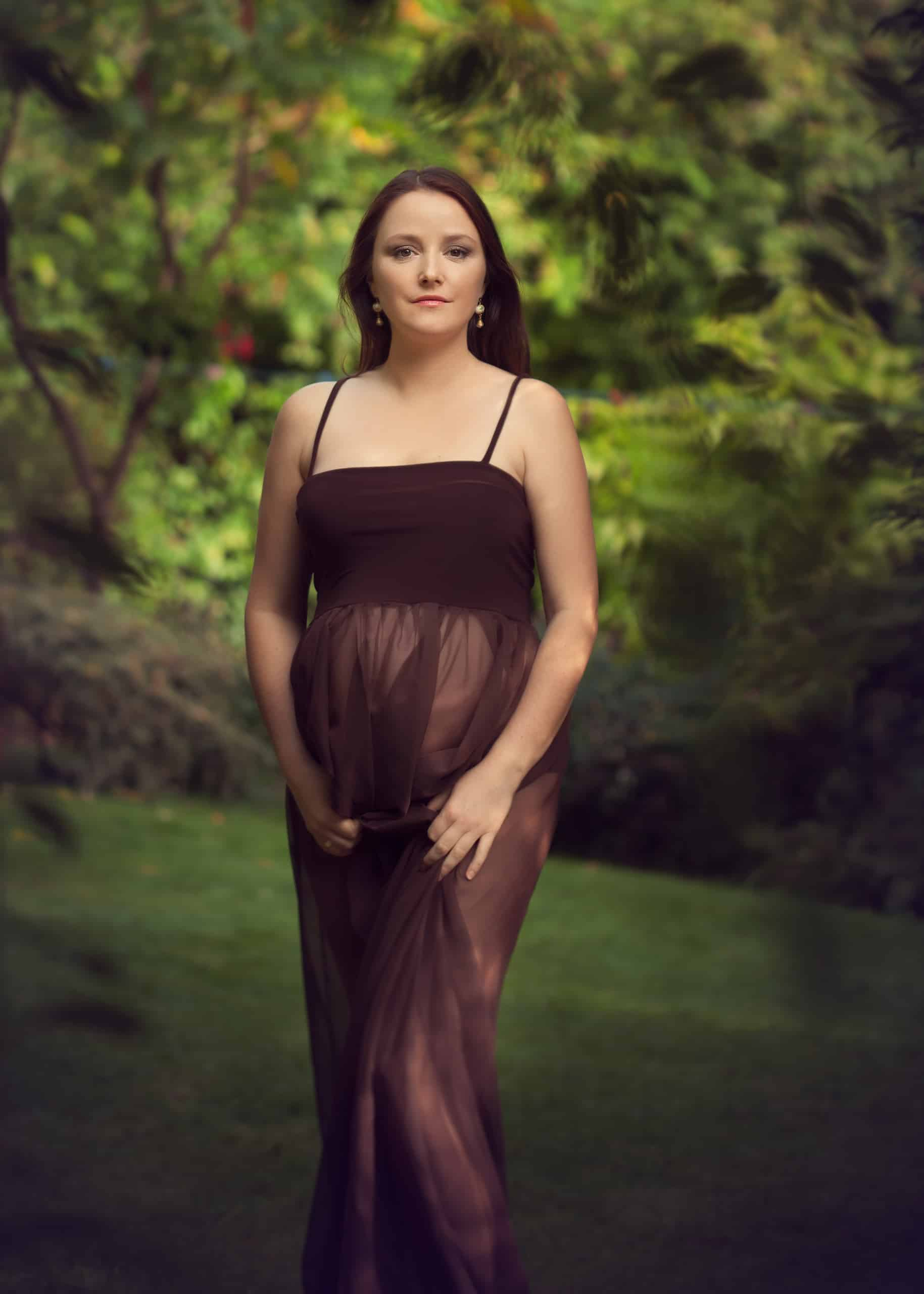 maternity photo session outdoors