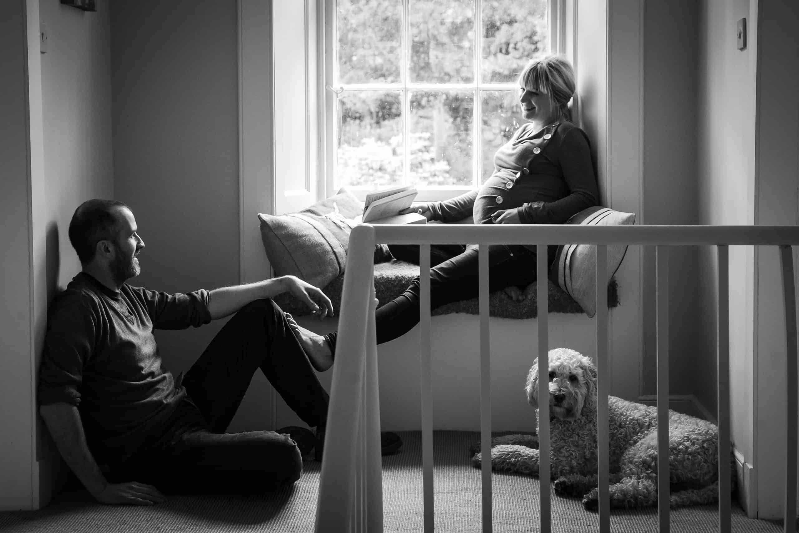 maternity photo shoot at home with dog