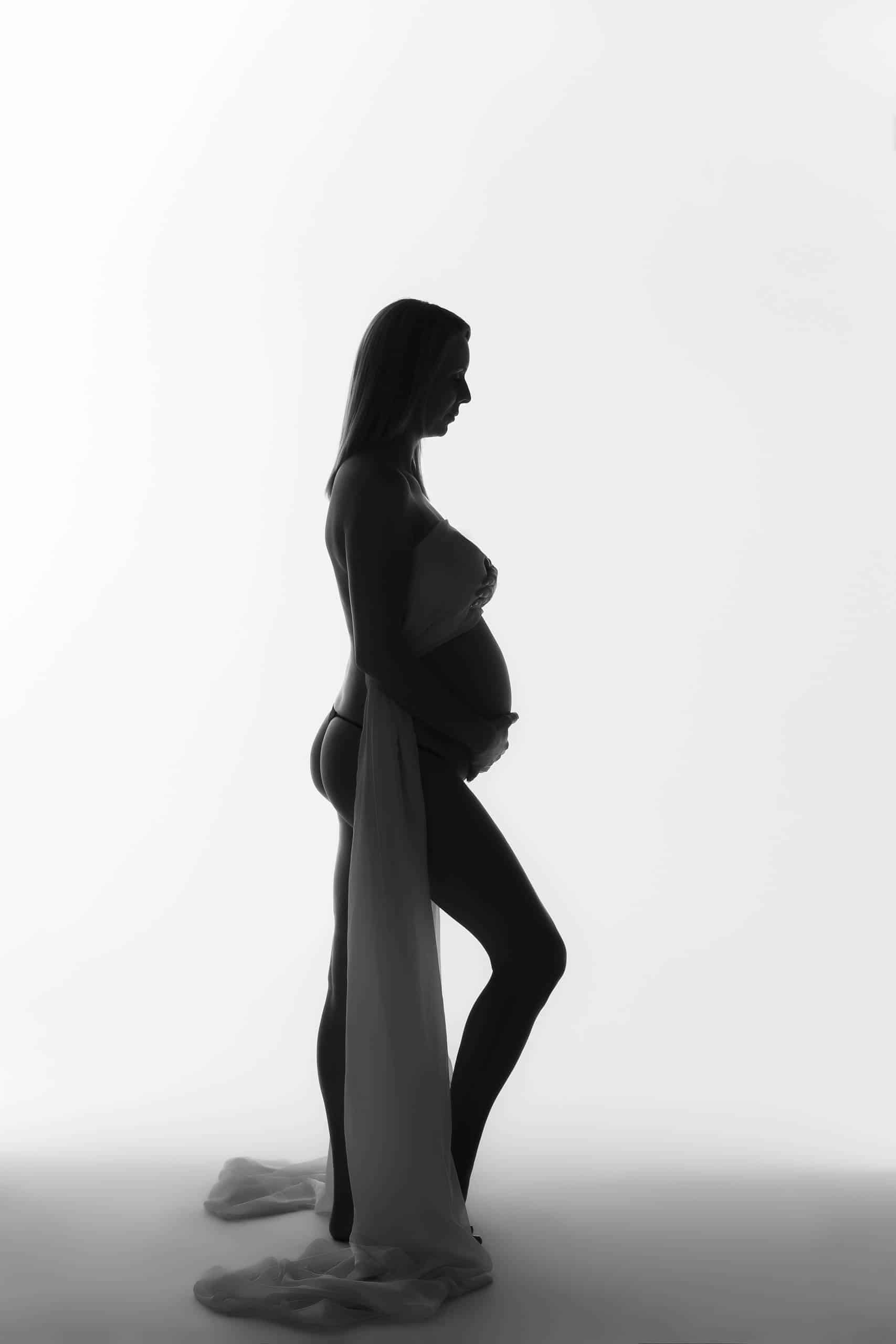 maternity photography silhouette