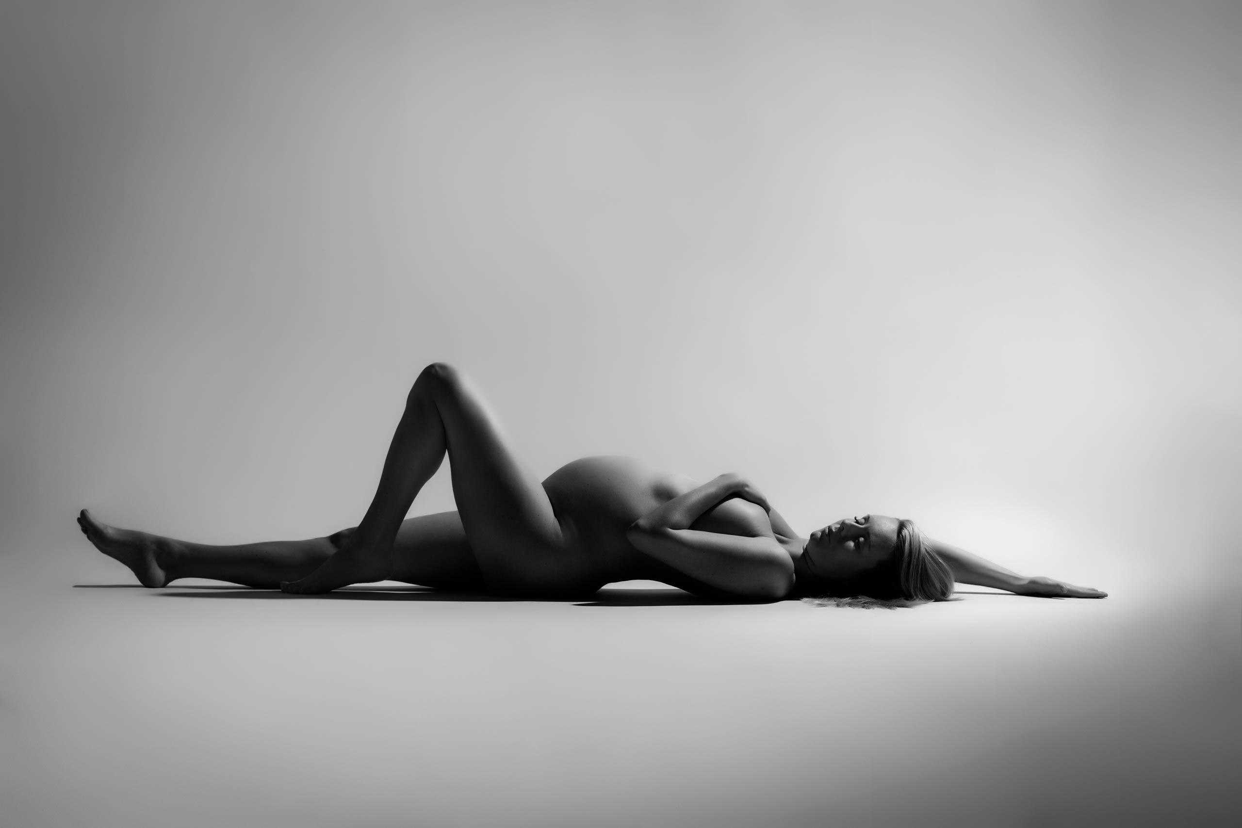 nude maternity photos with fine art photographer Armands Sprogis