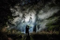 wedding photography ideas with smoke grenades