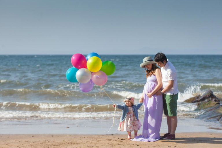 Pregnancy photoshoot ideas for couples 17
