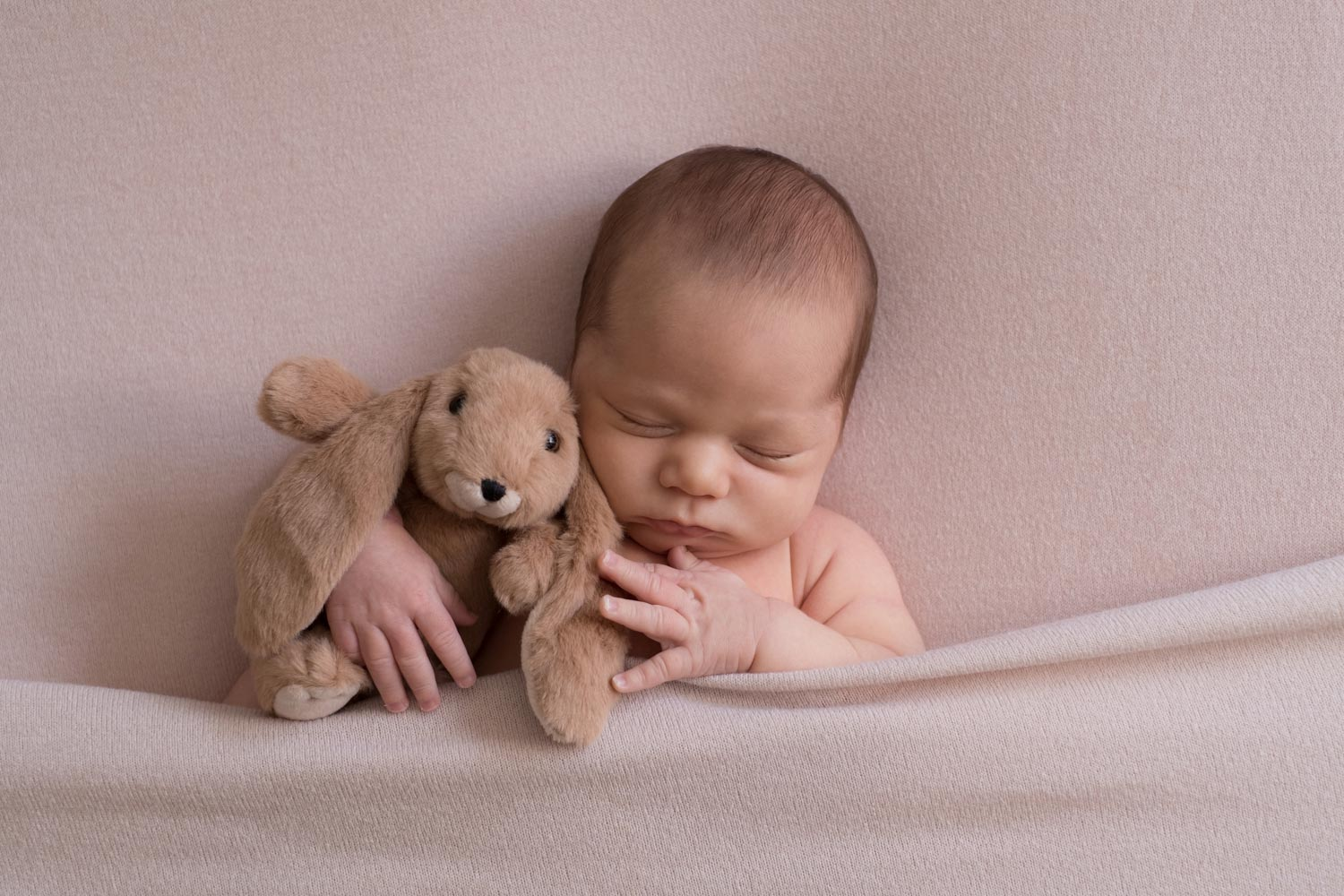 Lifestyle Newborn Photography Tips Guide 18