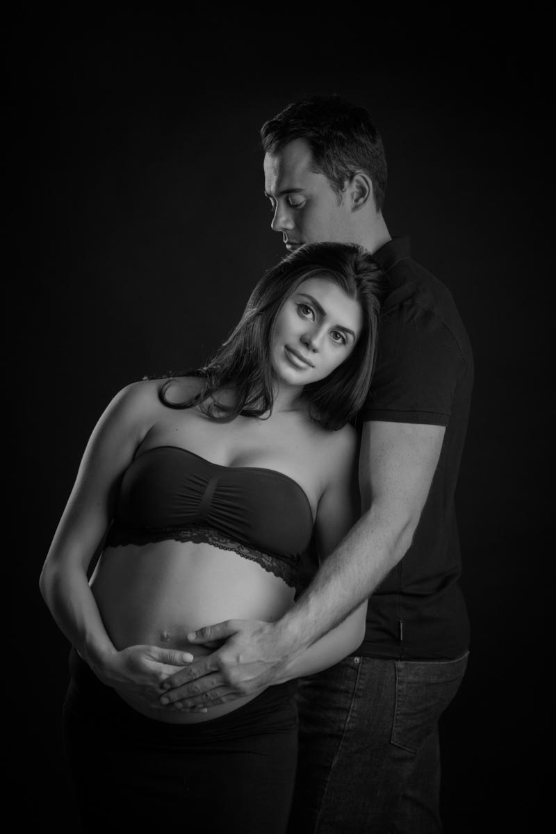 Pregnancy photoshoot ideas for couples 18